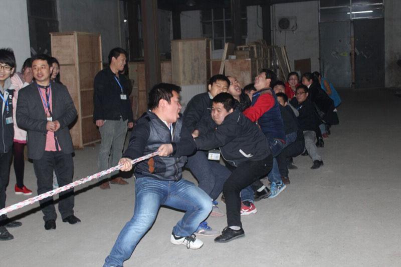 拔河比赛图片
